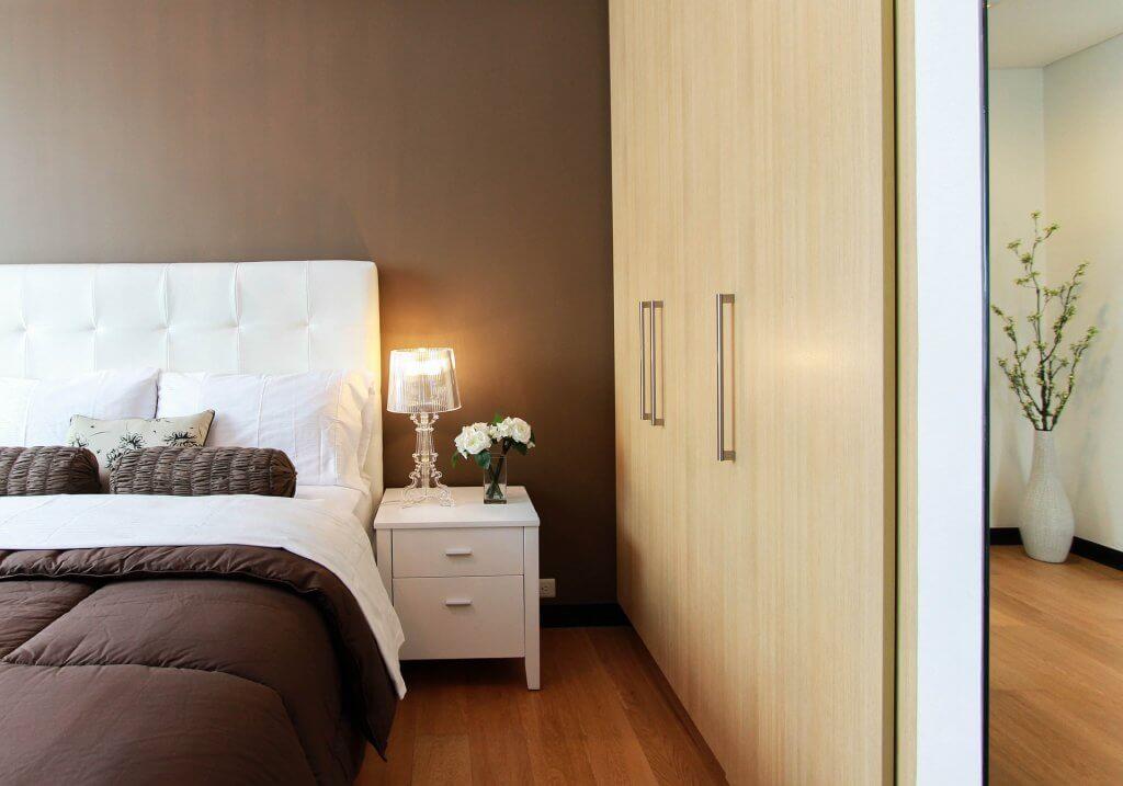 modern and minimalist bedroom